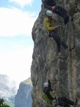 <h5>Seiltechnik-Übungen</h5><p>Seiltechnik-Übungen im Klettergarten</p>